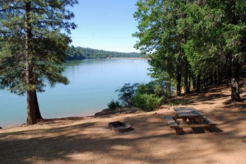 Peninsula Campground - Rollins Lake