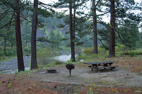 Granite Flat Campground On The Truckee River